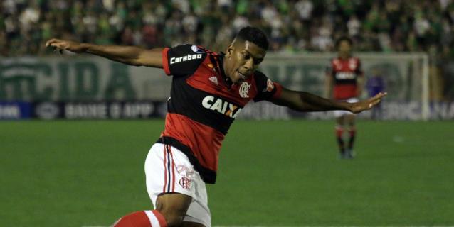 El colombiano Berrío se despide del Flamengo y agradece el cariño de los hinchas