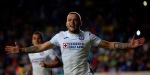 2-1.El uruguayo Jonathan Rodríguez le da título de la Copa por México al Cruz Azul