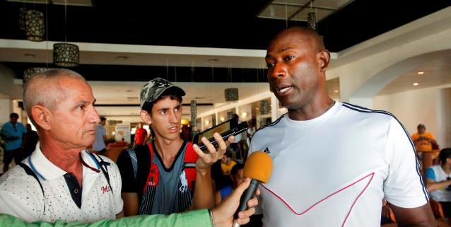 Recordista cubano suma una nueva marca en dominio de balón para el Guinness