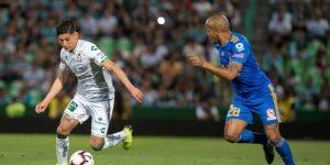 El lateral mexicano Gerardo Arteaga ficha por el Genk de Bélgica