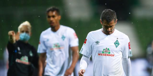 El Werder Bremen prolonga su calvario y se jugará la permanencia en la vuelta