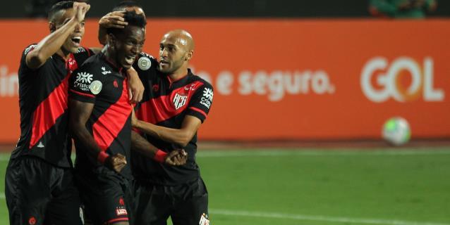 Goianiense golea al Flamengo y propina segunda derrota al equipo de Torrent
