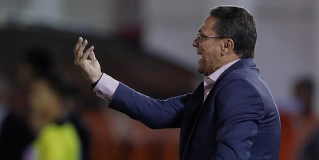 Luxemburgo responde a Figo y da la versión de la salida del luso del Real Madrid