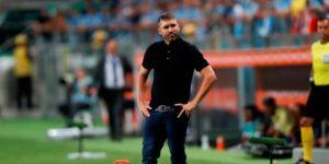 Inter vence en el duelo entre técnicos argentinos y asume liderato en Brasil
