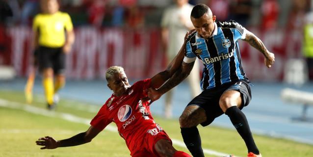 Éverton se despide de Gremio y viaja a Portugal para fichar por el Benfica