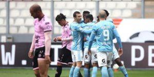 Cristal volvió con fuerza al golear 4-1 al Sport Boys en El Nacional