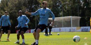 """Rossi se declara dispuesto a ayudar a Uruguay """"desde donde toque"""""""