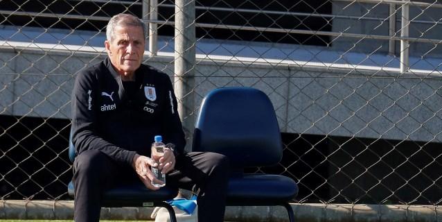 Uruguay comienza los trabajos para jugar ante Chile con una duda en el ataque