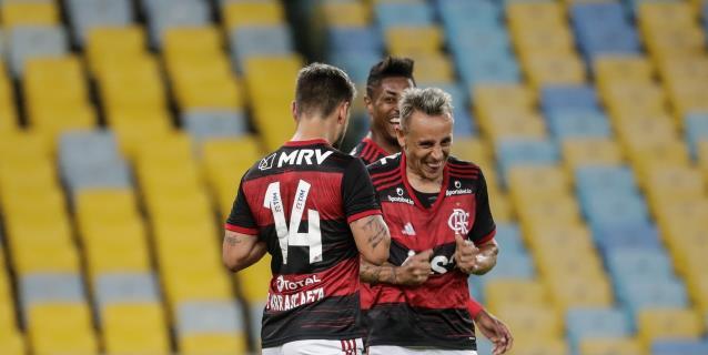 4-0. Flamengo golea, retoma liderato y garantiza clasificación a octavos
