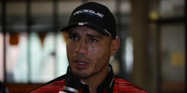 Miguel Cotto ayuda a celebrar el primer cartel de boxeo en Puerto Rico durante la pandemia