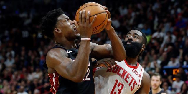 111-103. Jimmy Butler ayuda a los Heat a tener marca ganadora por primera vez y ganan a Magic