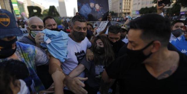 """Marcha en Argentina por Maradona: """"No se murió, lo mataron"""""""
