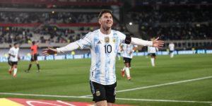3-0. Con triplete de Messi, que bate récord de Pelé, Argentina gana a Bolivia